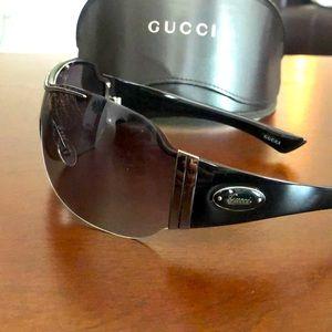 GUCCI GG 1855/S Oversized Shield Sunglasses